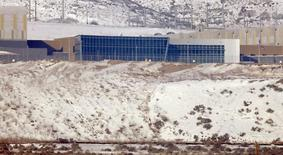 Un centro de almacenamiento de datos de la Agencia de Seguridad Nacional en Bluffdale, EEUU, dic 17 2013. La vigilancia masiva que realiza la Agencia de Seguridad Nacional (NSA) equivale a una barrera comercial para las firmas europeas de internet que quieren prestar servicios en Estados Unidos, dijo el lunes un alto funcionario de la Unión Europea. REUTERS/Jim Urquhart