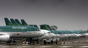 IAG (International Airlines Group) a confirmé jeudi avoir soumis à Aer Lingus une proposition relative à une offre sur la compagnie aérienne irlandaise, rejetée par le conseil de cette dernière pour des questions de valorisation. /Photo d'archives/REUTERS/Paul McErlane