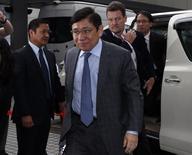 Raymond Kwok, co-chairman of developer Sun Hung Kai Properties, walks into the High Court in Hong Kong May 8, 2014.  REUTERS/Bobby Yip