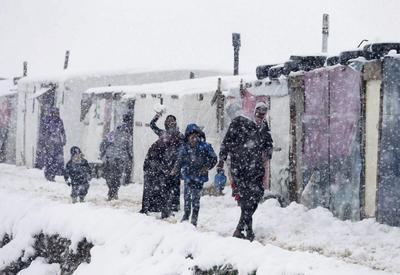 Blizzard hits Mideast