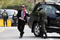 Jordan's Prince Ali bin Al Hussein (C) arrives  for the opening of the 17th Parliament's second ordinary session in Amman November 2, 2014.  REUTERS/Muhammad Hamed