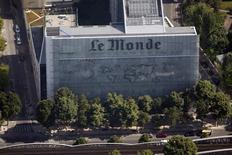Vista aérea da sede do jornal Le Monde, em Paris. 14/06/2013.  REUTERS/Charles Platiau