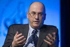 Steven A. Cohen responds to a question during a one-on-one interview session at the SkyBridge Alternatives (SALT) Conference in Las Vegas, Nevada May 11, 2011.  REUTERS/Steve Marcus