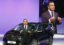 Le PDG de l'alliance Renault-Nissan Carlos Ghosn. L'alliance a écoulé 8,5 millions de véhicules en 2014, enregistrant ainsi sa cinquième année consécutive de progression. /Photo prise le 2 octobre 2014/REUTERS/Jacky Naegelen