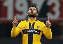 Antonio Nocerino, do Parma, comemora gol marcado contra o Milan pelo Campeonato Italiano. 01/02/2015 REUTERS/Alessandro Garofalo