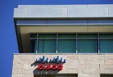 Cisco, qui a publié un chiffre d'affaires et un bénéfice trimestriels meilleurs que prévu à suivre jeudi sur les marchés américains. /Photo d'archives/REUTERS/Mike Blake