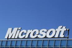 Logo da Microsoft na sede de Bucareste. 20/04/2013  REUTERS/Bogdan Cristel