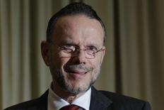Presidente do BNDES, Luciano Coutinho 5/12/2012. REUTERS/Ueslei Marcelino
