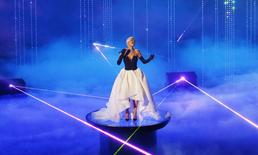 """Singer songwriter Rita Ora to performs the Oscar nominated song """"Grateful"""" from the film """"Beyond the Lights"""" at the 87th Academy Awards in Hollywood, California February 22, 2015. REUTERS/Mike Blake"""