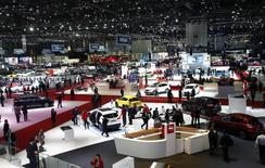 Salon automobile de Genève. L'Organisation des constructeurs automobiles voit le marché mondial croître d'environ 3% en 2015, comme en 2014, tiré par la Chine et certains pays européens comme l'Espagne. /Photo prise le 3 mars 2015/REUTERS/Arnd Wiegmann