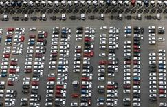 Vehículos de Ford en la planta de la compañía en Sao Bernardo do Campo, Brasil, feb 12 2015. La producción de autos de Brasil bajó un 2,3 por ciento, y las ventas se derrumbaron un 26,7 por ciento en febrero frente a enero, informó el jueves la Asociación Nacional de Fabricantes de Vehículos Automotores del país, Anfavea. REUTERS/Paulo Whitaker