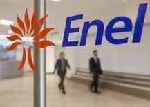 Логотип Enel в центральном офисе компании в Риме. 11 ноября 2014 года. Подконтрольная итальянской Enel российская генерирующая компания Enel Russia (бывшая ОГК-5) увеличила чистую прибыль в 2014 году на 13 процентов до 5,58 миллиарда рублей, сообщила компания в среду. REUTERS/Tony Gentile