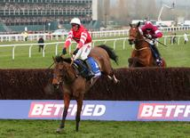 Nico de Boinville on Coneygree (L) on his way to winning the 15.20 Betfred Cheltenham Gold Cup Chase Action Images via Reuters / Matthew Childs Livepic