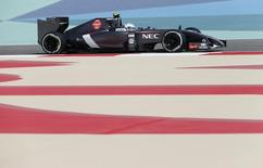 Giedo van der Garde of the Netherlands drives during the first practice session of the Bahrain F1 Grand Prix at the Bahrain International Circuit (BIC) in Sakhir, south of Manama April 4, 2014. REUTERS/Hamad I Mohammed