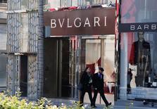 Le PDG de Bulgari (groupe LVMH) Jean-Christophe Babin a déclaré à Reuters que le joailler pensait parvenir à une croissance à deux chiffres à taux constants en 2015. /Photo d'archives/REUTERS/Fred Prouser