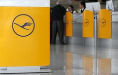 Passengers await their flights during a pilots' strike of German flagship carrier Lufthansa at Munich's airport March 18, 2015. REUTERS/Michaela Rehle