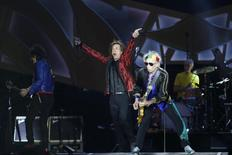 """Mick Jagger, Keith Richards, Ron Wood and Charlie Watts of The Rolling Stones perform during their """"14 on Fire"""" concert at Santiago Bernabeu Stadium in Madrid June 25, 2014. REUTERS/Juan Medina"""