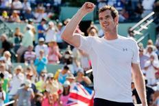 O tenista Andy Murray comemora sua vitória sobre Kevin Anderson no Masters de Miami, Estados Unidos, nesta terça-feira. 31/03/2015 REUTERS/Geoff Burke/USA Today