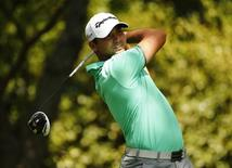 Jason Day of Australia hits a driver off the second tee during first round play of the Masters golf tournament at the Augusta National Golf Course in Augusta, Georgia April 9, 2015.   REUTERS/Mark Blinch