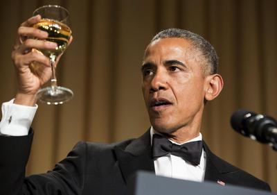 Obama pokes fun at political friends and foes at White House dinner