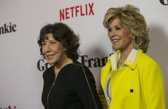 Lily Tomlin (esquerda) e Jane Fonda em Los Angeles. 29/4/2015 REUTERS/Mario Anzuoni