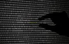 """Les Etats-Unis ont annoncé vendredi avoir demandé aux autorités chinoises d'enquêter sur des cyberattaques qui auraient visé des sites internet américains via un nouvel outil de censure, le """"grand canon"""", et de remettre à Washington le résultat de leurs investigations. /Photo d'archives/REUTERS/Pawel Kopczynski"""