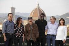 "(L to R) Actors Tom Hanks, Sidse Babett Knudsen, director Ron Howard, actor Omar Sy, writer Dan Brown and actress Felicity Jones pose during a photocall for the movie ""Inferno"" in downtown Florence May 11, 2015.     REUTERS/Max Rossi"