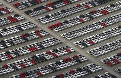 Usine VW de Sao Bernardo do Campo au Brésil. Les ventes de la marque Volkswagen ont baissé de 4,8% en avril, une demande en berne en Russie et en Amérique du Sud ayant contrebalancé les progrès enregistrés sur le marché européen. /Photo prise le 3 avril 2015/REUTERS/Paulo Whitaker