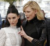 """Cast members Rooney Mara (L) and Cate Blanchett pose during a photocall for the film """"Carol"""" in competition at the 68th Cannes Film Festival in Cannes, southern France, May 17, 2015.      REUTERS/Regis Duvignau"""