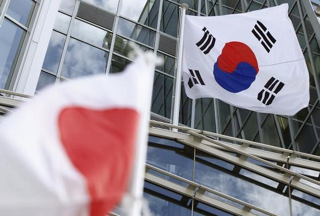 5月23日、日本と韓国は、経済や財政問題を議論する財務対話を2年半ぶりに再開した。都内で8月撮影(2015年 ロイター/Yuriko Nakao)