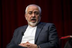 Глава иранского МИД Джавад Зариф на конференции в Нью-Йорке. 29 апреля 2015 года. Ядерное соглашение с Ираном вряд ли будет заключено к 30 июня, а санкции против Ирана не будут смягчены в лучшем случае до конца текущего года, считают западные дипломаты. REUTERS/Lucas Jackson