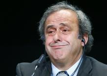 Presidente da UEFA, Michel Platini, concede entrevista coletiva após reunião da entidade em Zurique, na Suíça. 28/05/2015 REUTERS/Ruben Sprich
