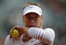 Maria Sharapova durante partida contra Lucie Safarova em Roland Garros, em Paris.   01/06/2015       REUTERS/Gonzalo Fuentes