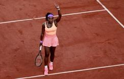 Tennis - French Open - Roland Garros, Paris, France - 4/6/15 Women's Singles - USA's Serena Williams celebrates winning her semi final match Action Images via Reuters / Jason Cairnduff Livepic