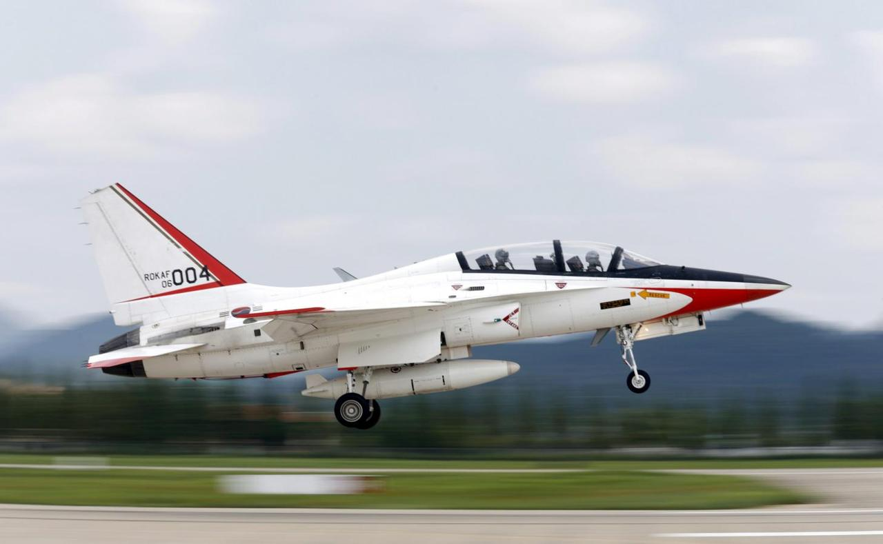 Exclusive: Vietnam eyes Western warplanes, patrol aircraft
