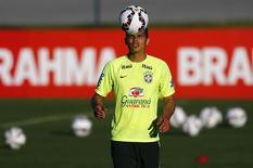 Zagueiro da seleção brasileira Thiago Silva em treino na Granja Comary, em Teresópolis. 04/06/2015 REUTERS/Ricardo Moraes