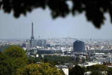 La croissance de l'économie française devrait atteindre 0,3% au deuxième trimestre, confirme la Banque de France dans sa deuxième estimation fondée sur son enquête mensuelle de conjoncture pour mai publiée lundi. /Photo d'archives/REUTERS/Charles Platiau