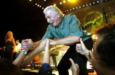 Foto de arquivo do músico alemão James Last. 25/09/2002 REUTERS/China Photo