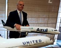 David Neeleman, CEO e fundador da Azul, durante anúncio de que norte-americana United está comprando 5% da Azul por US$100 milhões. 26/06/2015. REUTERS/Paulo Whitaker
