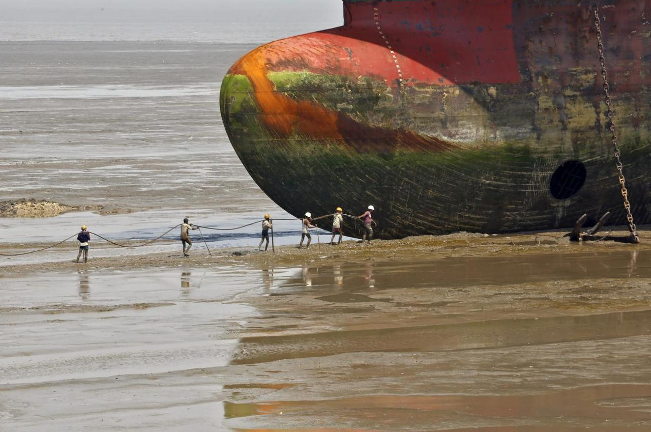Is It End Of The Line For South Asias Ship Graveyards Reuters