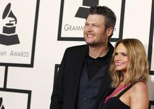 Blake Shelton e Miranda Lambert chegam para premiação do Grammy em Los Angeles.  8/2/2015.  REUTERS/Mario Anzuoni