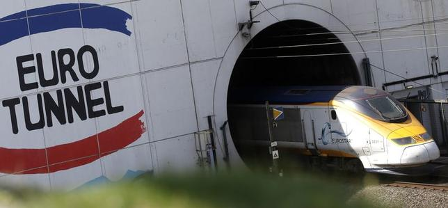 Eurotunnel Wants France Britain Help To Pay Migrant Costs Reuters