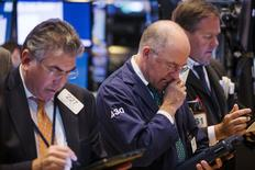 La Bourse de New York a fini en baisse jeudi pour la troisième séance consécutive. Le Dow Jones a cédé 0,67%, le S&P-500 0,57% et le Nasdaq Composite 0,49%. /Photo prise le 23 juillet 2015/REUTERS/Lucas Jackson