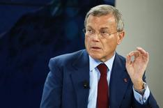 Sir Martin Sorrell, Chief Executive Officer of WPP, gestures during the session 'The BBC World Debate: A Richer World, but for Whom?' in the Swiss mountain resort of Davos January 23, 2015. REUTERS/Ruben Sprich