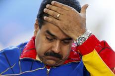 Presidente da Venezuela, Nicolás Maduro, durante visita à Feira do Livro, em Caracas, em julho. 25/07/2015 REUTERS/Carlos Garcia Rawlins