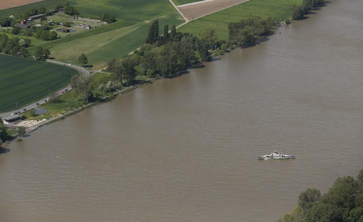 Low water still hampering Rhine, Danube river shipping in Germany