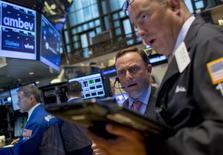 La Bourse de New York a fini mardi en hausse de 2,40%, le Dow Jones gagnant 386,03 points à 16.488,41. /Photo prise le 8 septembre 2015/REUTERS/Brendan McDermid