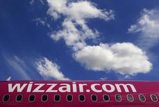 La compagnie low cost Wizz Air a confirmé une commande de 110 appareils A321neo représentant 13,684 milliards de dollars au prix catalogue. Cette commande est la plus importante jamais passée pour l'A321neo.  /Photo d'archives/REUTERS/Bernadett Szabo