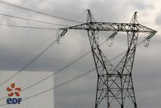 Les centrales à gaz et à charbon italiennes et polonaises d'EDF s'inscrivent mal dans sa stratégie bas-carbone mais elles s'annoncent difficiles à céder dans de bonnes conditions en raison des surcapacités en matière de centrales thermiques en Europe. /Photo d'archives/REUTERS/Vincent Kessler