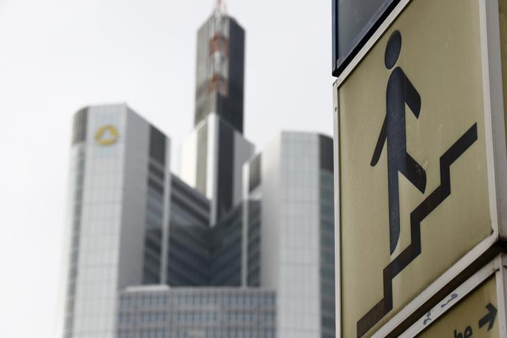 Metro Red Bull Kühlschrank : Insight warum sich banken und investoren auf fintechs stürzen reuters